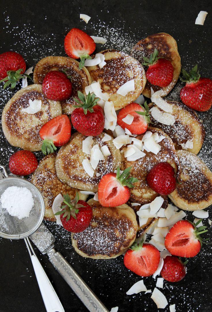 Kokospannkakor med jordgubbar