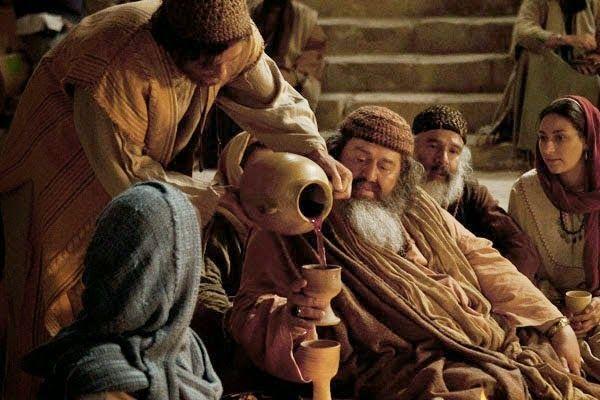 Explicación del milagro del vino nuevo Todos los elementos del pasaje de las bodas de Caná tienen un significado simbólico, incluso los...
