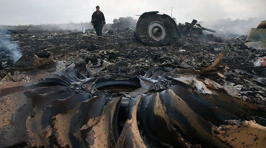 Why is Russia Being Blamed For The Downing of Flight MH17 - Again? - By Andrés Perezalonso (Sott.net)