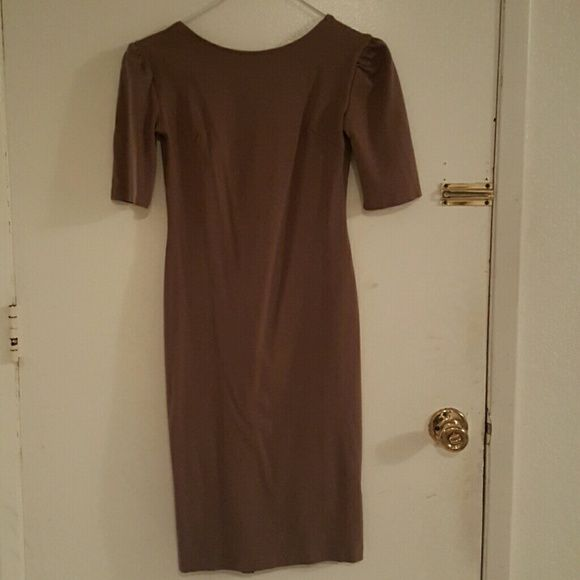 Brown bodycon dress Brown bodycon dress with zipper at back. Excellent condition. Dresses Midi