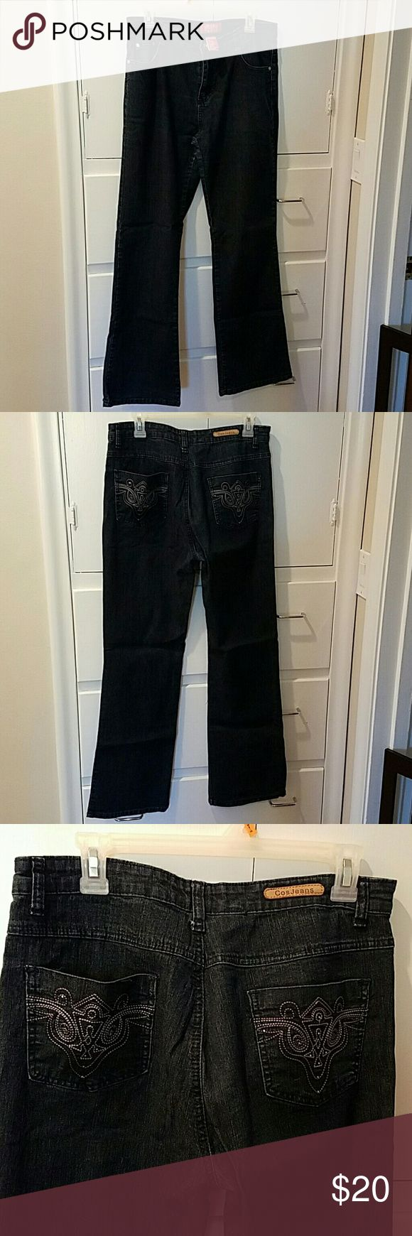 Cos Jeans size 10 This is a dark wash pair of jeans that are in great shape, I wish I could still wear them! The inseam is 29 inches. I'm 5' 8 and a half and they went a little past my ankle, not dragging the floor but a good length. cos Pants Straight Leg