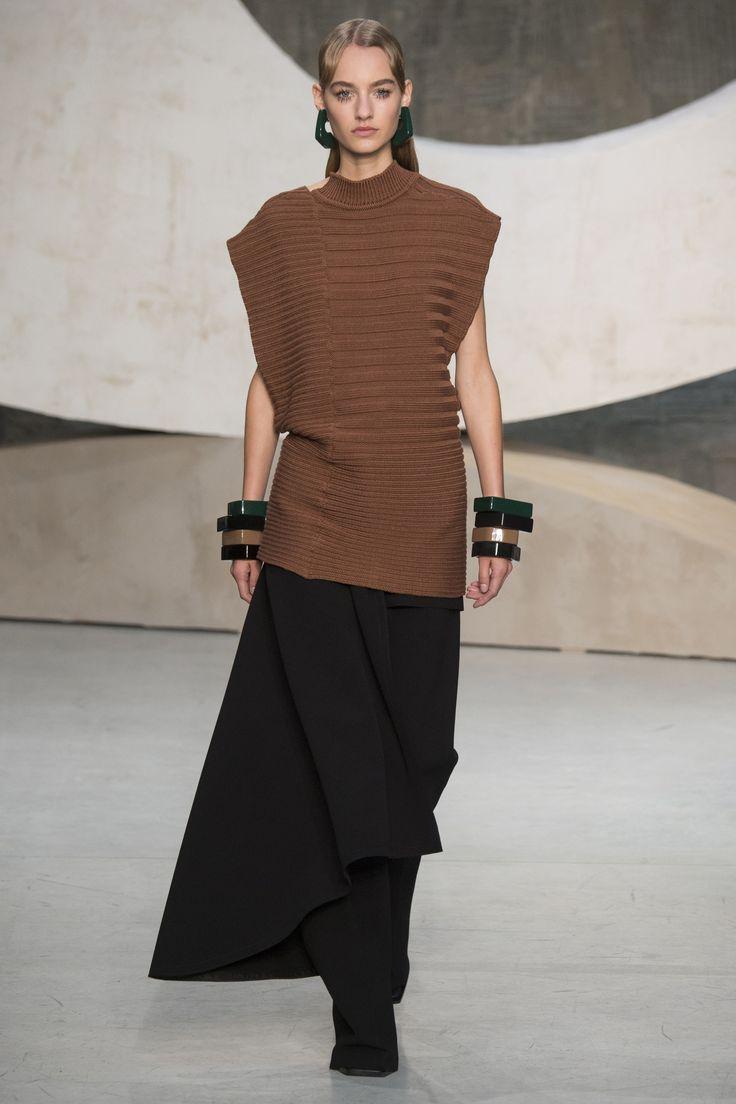 Marni Spring 2016 Ready-to-Wear Fashion Show | The shape ...
