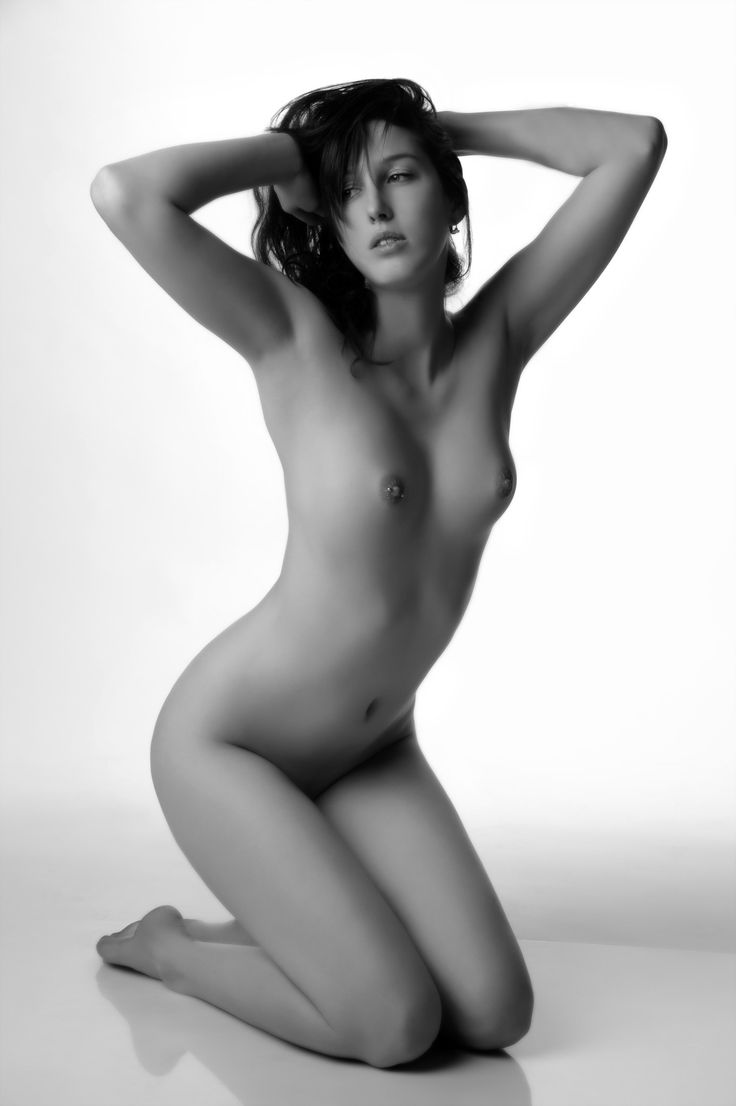 nude-french-model-women-retro-sex-scene