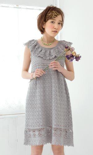 編んでみたいワンピース!でも、襟が可愛すぎかなぁー?サイトに飛ぶと無料編み図が貰えますよ♪