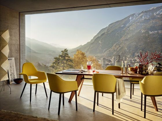 Table Solvay, Organic Chair, Softshell Chair
