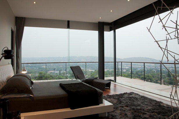 """If I send you a picture like this from my bedroom one, yo will know I'm leaving """"the life"""""""