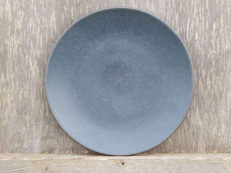 Skandinavische Jahrgang Höganäs Keramik Graphit Grau Platte Hoganas Keramik Salat Dessert Teller Steingut von RedRooster1980 auf Etsy https://www.etsy.com/de/listing/253526254/skandinavische-jahrgang-hoganas-keramik