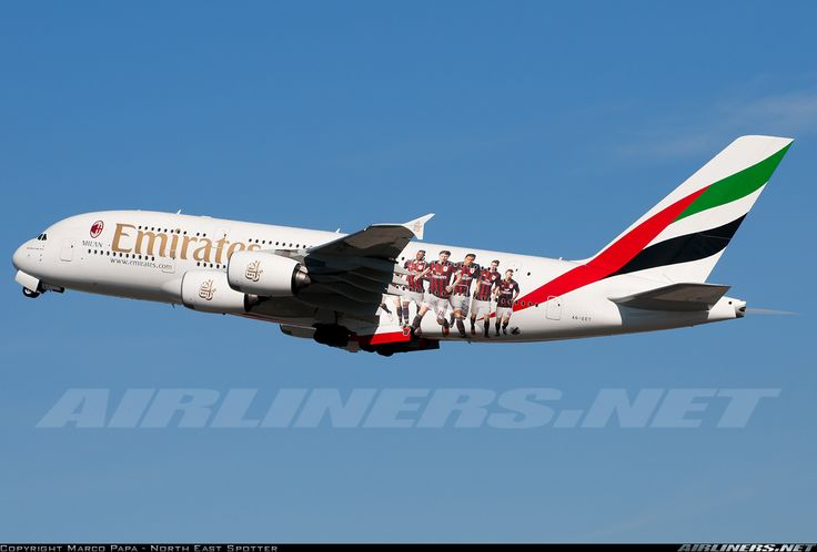 "Airbus A380-861, Emirates, A6-EET, cn 142, special ""AC Milan"" colours. First flight 6.11.2013, Emirates delivered 27.3.2014. His last flight 9.4.2016, flight Dubai - Sydney. Foto: Milan, Italy, 10.3.2016."