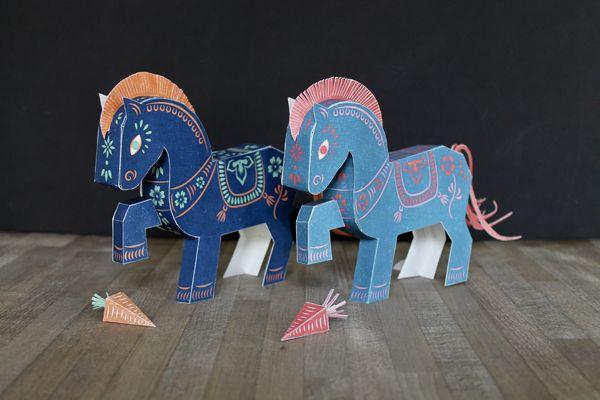 Horse Papertoy Freebie by faltmanufaktur