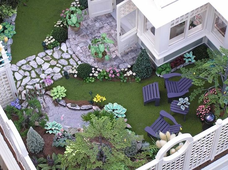 Susan's Miniatures - excellent landscaping