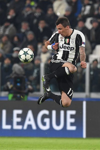 Mario Mandzukic of Juventus controls the ball during the UEFA Champions League Group H match between Juventus and GNK Dinamo Zagreb at Juventus Stadium on December 7, 2016 in Turin.