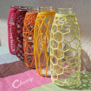 Charry: Bloemenvaasjes crocheted vases