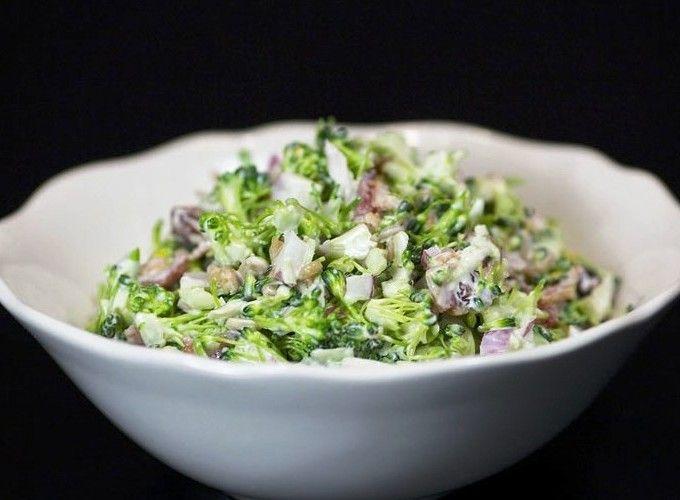 Диетический салат из цветной капусты и брокколи