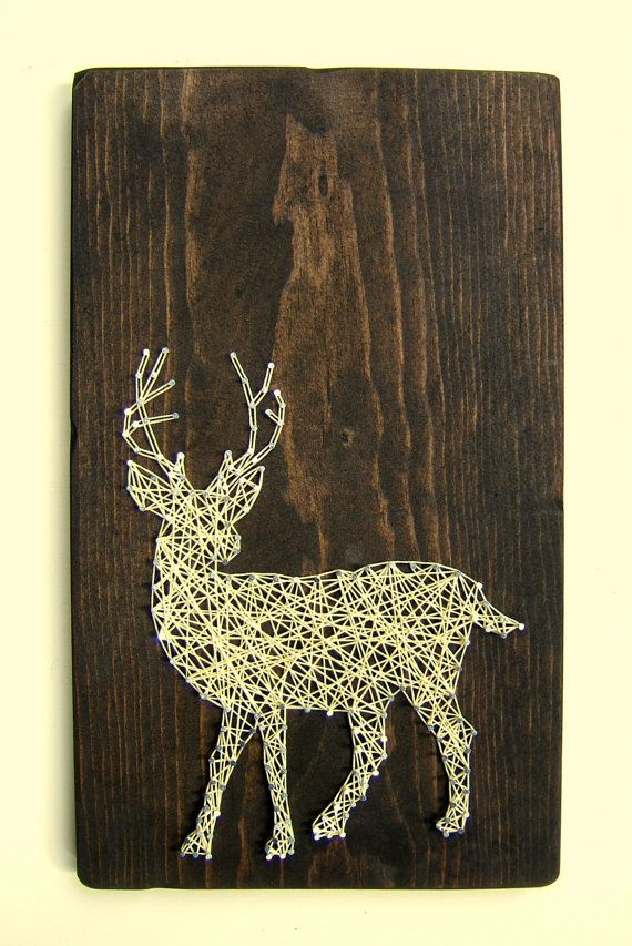White Tailed Deer Silhouette  Modern String Art Tablet di NineRed, $46.00