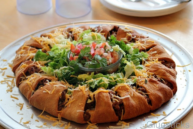 Gluesticks: Taco Ring {A Lighter Version}Mr. Tacos, Recipe Ideas, Lighter Version, Dishes Recipe, Green Peppers, Tacos Rings, Favorite Recipe, Maine Cours, Cooking Mexicans Dishes
