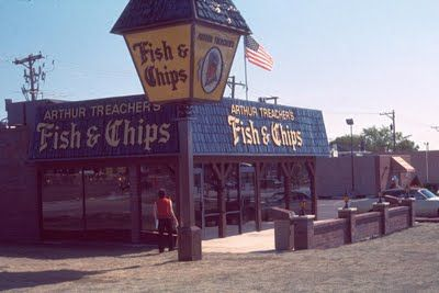 Eating in the 1970s!  Arthur Treachers...original fish and chips....remember those hush puppies (puffs)??
