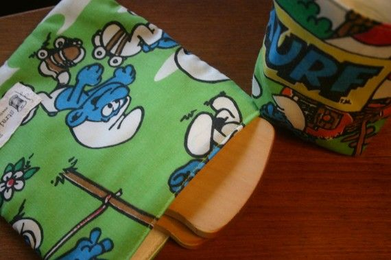 Smurfs Enviro Lunch Set by TheStraightStitch on Etsy, $12.00  the kids and I love their lunch sets...