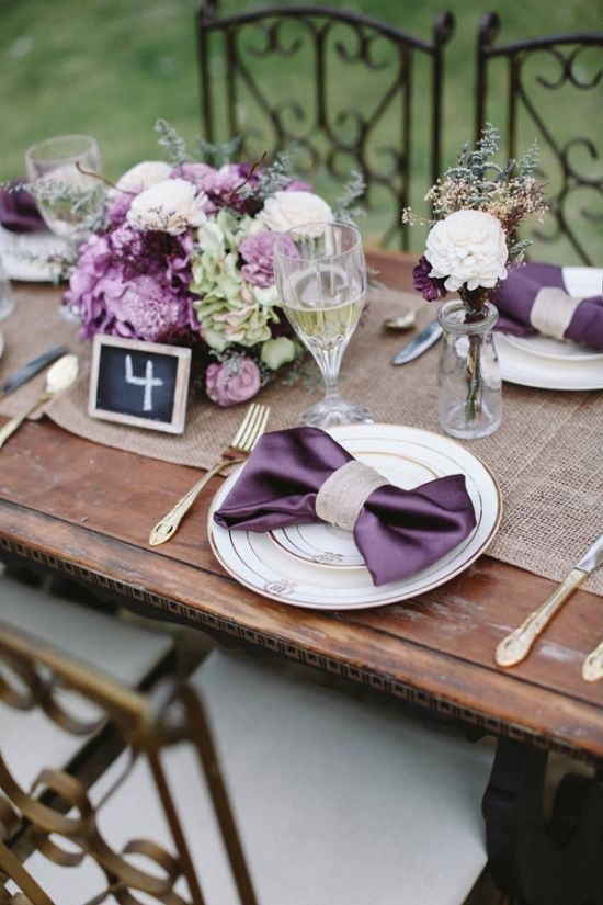royal purple table setting www.allielindsey.com