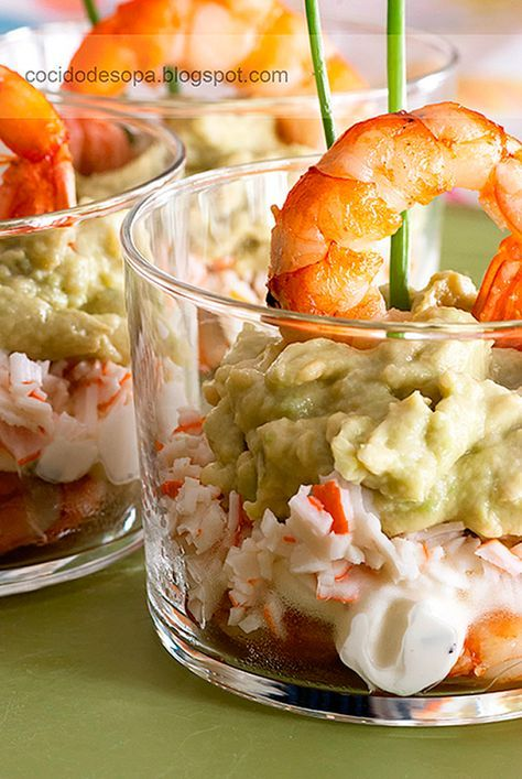 vasitos de cangrejo gambas aguacate y queso