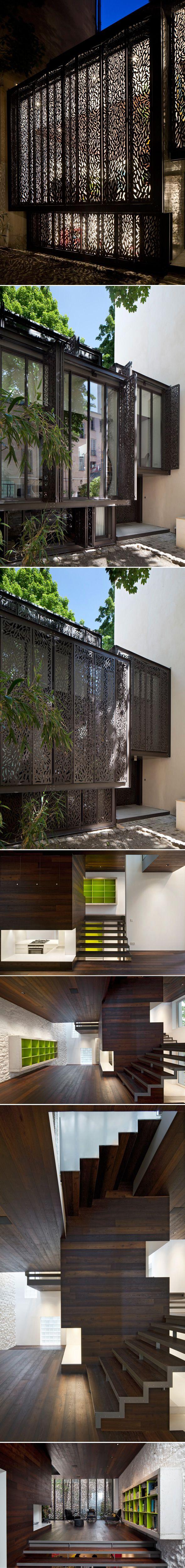 Mon coup de projecteur d'aujourd'hui va à la maison escalier imaginée et réalisée par Moussafir Architectes.  Cette magnifique réalisation allie transparence et lignes contemporaines.