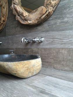 25 beste idee n over stenen badkamer op pinterest stenen douche houten huis en rustieke - Badkamer zen natuur ...