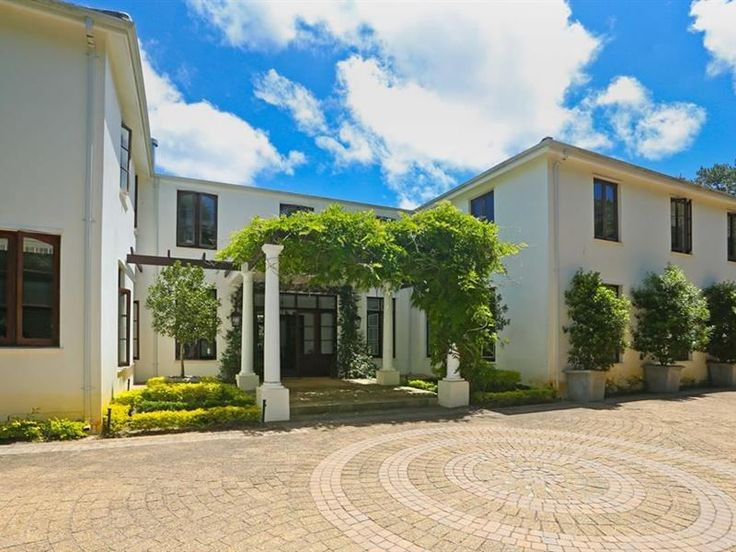 Spilhaus  - Welcome to SpilhausThis beautiful home has 5 bedrooms each with an en-suite leading out to the terrace. Situated in the foothills of Table Mountain and Kirstenbosch Gardens, this well-appointed home has ... #weekendgetaways #constantia #capetowncentral #southafrica