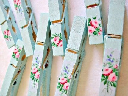 Pretty clothespins: Diy Ideas, Clothpin, Hanging Pictures, Clothespins Crafts, Shabby Chic, Magnets, Cute Ideas, Clothing Pin, Romantic Ideas