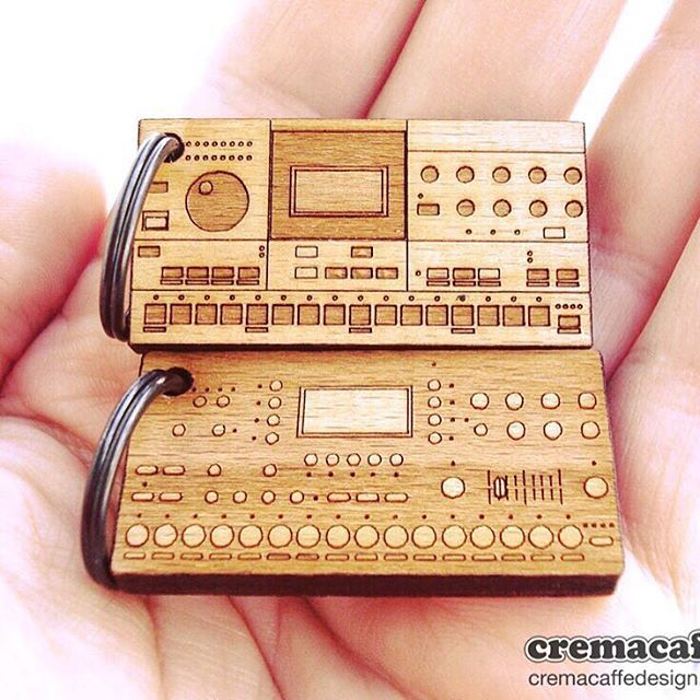 Cremacaffè Design miniature keychains,  in the shape of your favorite music gear.  FREE with every KOSMO, SPIKE, KOLIBRI  stand orders, during 22.10 - 29.10.2016  Happy Sunday everyone! ☀️😉 Check them all at  http://cremacaffedesign.com/keychains-miniatures/  #cremacaffedesign #tabletop #stand #elektron #synth #octatrack #machinedrum #musicgear #miniature #keychain #giveaway #homestudio #electronic #music #musicproducer #musician #tech #gadget #design