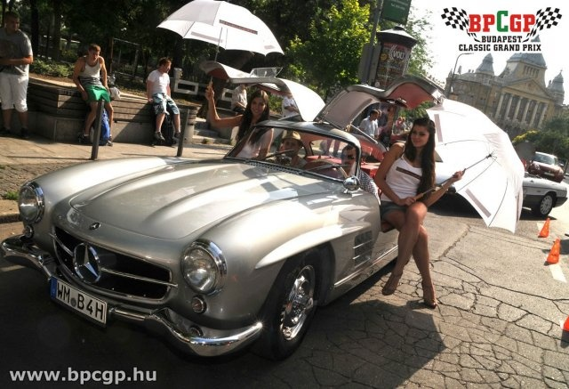 Check out the original Gullwing Mercedes on a CARBON8 sponsored vintage car race ... Budapest Classic Grand Prix
