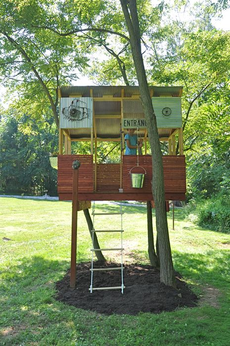 fun treehouse: simple fence around sides and then roof