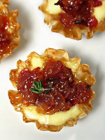 1 pack mini phyllo cups (I used Athens) 4 oz brie cheese 8 slices bacon 1/3 cup apricot jam (I used Polaner) 2 tbsp apple cider vinegar Thyme for garnish
