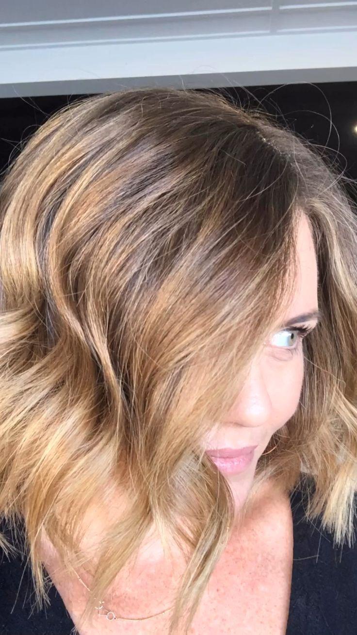 Soft Wave On Short Hair Soft Wave Short Cuando Llega Los Angeles Primavera Siempre A In 2020 Medium Hair Styles For Women Medium Hair Styles Hair Styles