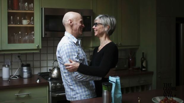 caring for a spouse with dementia Caring for a spouse with dementia can be challenging know you're not alone  and learn more about the toll of caregiving.