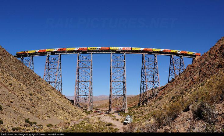RailPictures.Net Foto: 9724 Tren a las Nubes EMD GT22CU en Salta, Argentina por Gaston Leonel Gonzalez