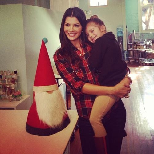 Ali Landry & Estela Get Crafty For Christmas