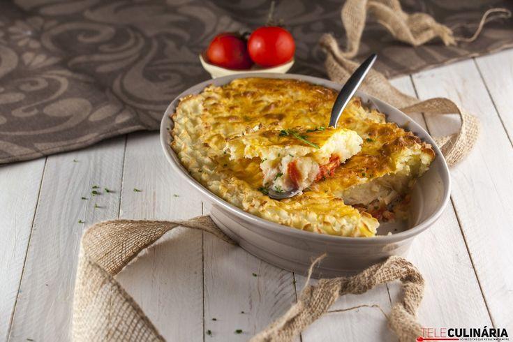 Receita de Empadão de bacalhau. Descubra como cozinhar Empadão de bacalhau de maneira prática e deliciosa!
