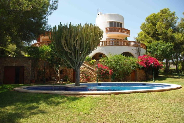 Very special property for sale in Palma Nova