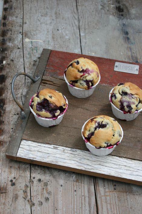 KLASSISCHE BLAUBEER-MUFFINS | Classic Blueberry Muffins