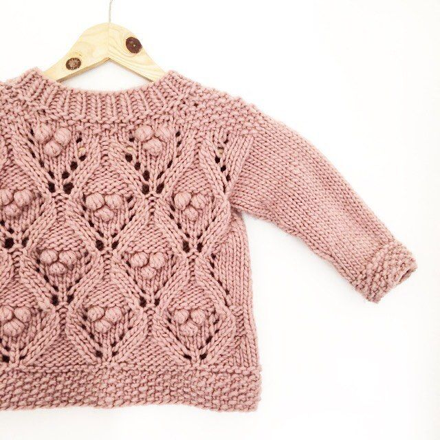 - Olive's Chunky Lace - This babe's in town! Pattern available in Danish and English at www.knittingforolive.dk Two varieties in the same pattern,