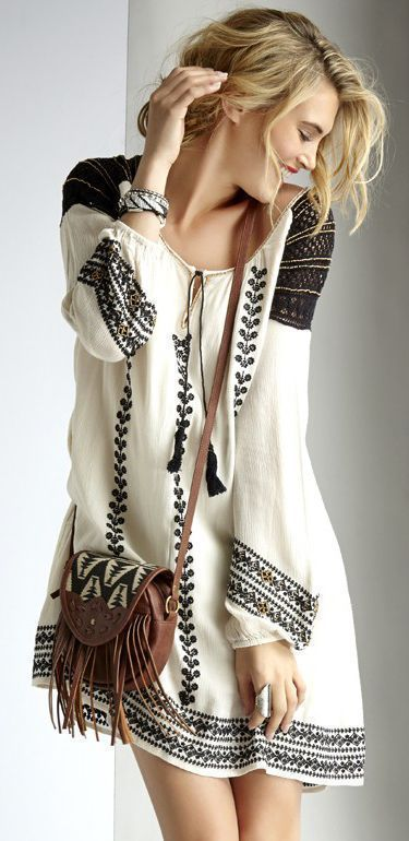 Simple and Cute Boho Embroidered Dress and gorgeous bag. http://bagsforwomen.net