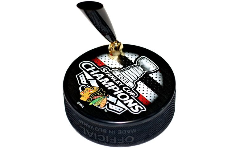 2015 Chicago Blackhawks NHL Stanley Cup Champions Hockey Puck Desk Pen Holder Made From Licensed Hockey Puck