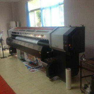 Mesin digital printing outdoor Xuli X6-3200S salah satu produk dengan kecepatan cetak yang bagus, yang membuat mesin ini lebih cepat adalah dengan digunakannya printhead Konica 512i, hasil cetaknya juga lebih baik dibandingkan dengan printhead Konica pada umumnya.