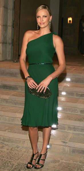 Charlize Theron Photos: Gucci Spring 2006 Fashion Show Benefitting The Childrens Action Network