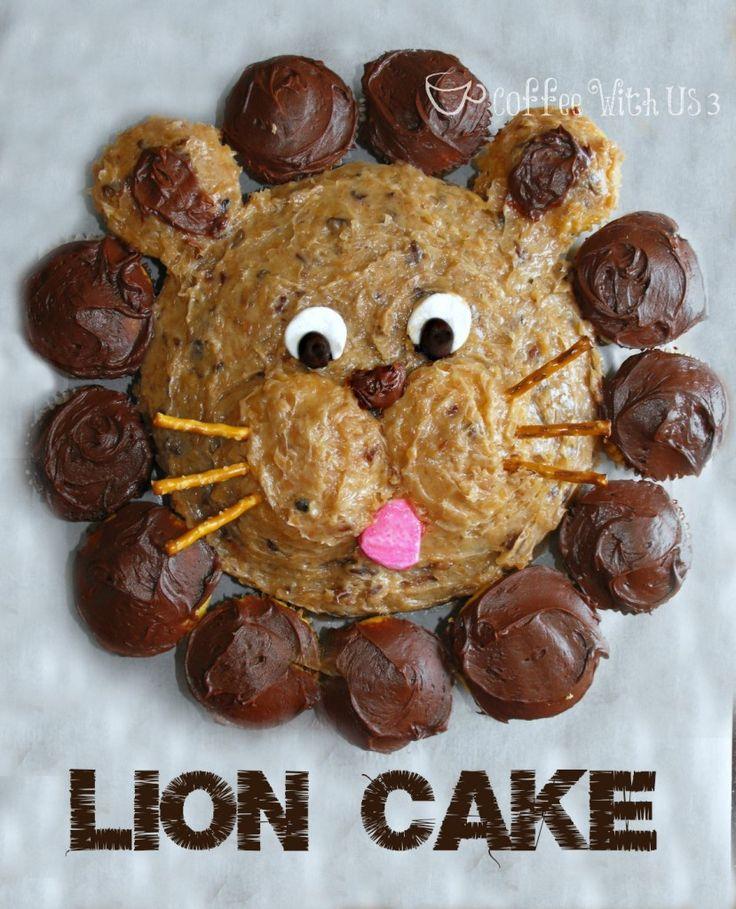 This adorable Lion Cake is surprisingly easy to make! #birthdaycakes #cakes #birthday