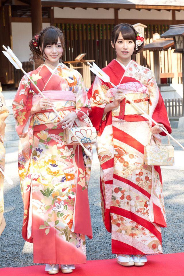 白石麻衣、衛藤美彩(写真左から)