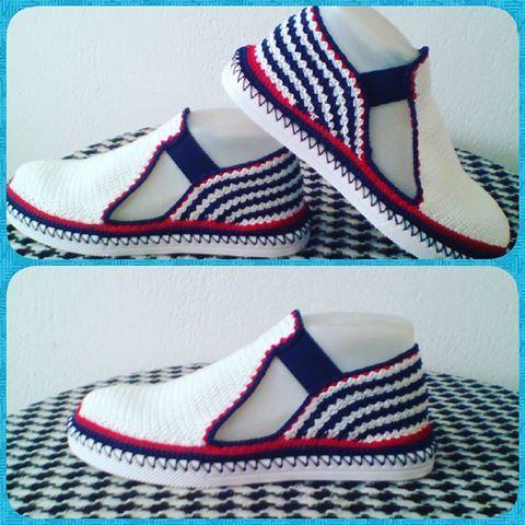 Zapato tejidos. Hecho a mano✋ Puro Crochet. #tejidosartesanales #tejeresunplacer #hechoamanoconamor #hechoencolombia #artesanal#innovacrochet #agujascrochet #tejeresmipasion #crochetaddict #crochetfashion