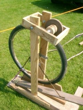 A home made grinder wheel for honing edged tools. Couldn't find the directions on the source site but clever people might figure it out on their own. Meantime original page has lots of good ideas for re-purposing bike parts.