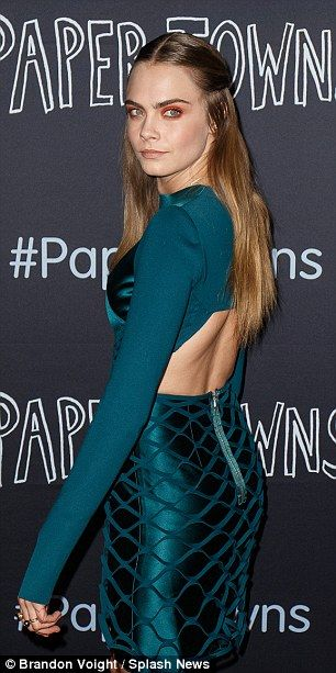 Cara Delevingne wows at Paper Towns' Oz premiere before discussing sexuality | Daily Mail Online