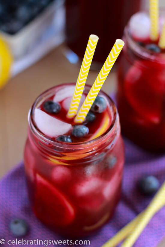 Blueberry Lemonade ~ Light and refreshing homemade lemonade flavored with fresh blueberries. Perfect summertime beverage recipe! ~ http://www.julieseatsandtreats.com