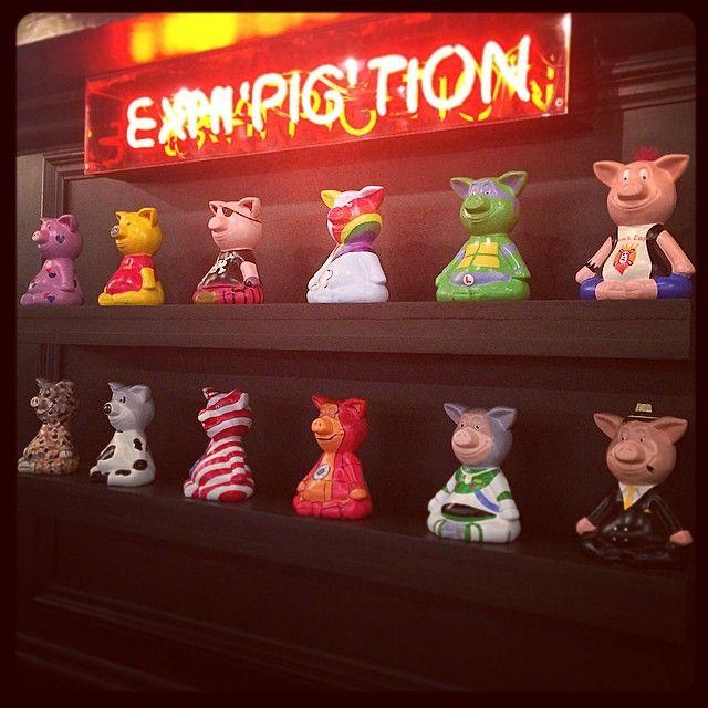 sarahberryman1 #painted #pig #pigs #chicagoribshack #twickenham #restaurant